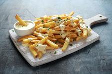 Frytki belgijskie z sosem