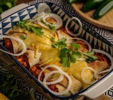 Enchilada z ryżem i kurczakiem