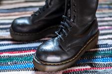 Ciężkie buty hitem jesiennych stylizacji