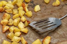 Pieczone ziemniaki z parmezanem