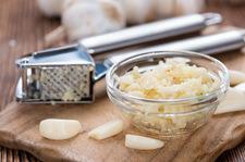 Zdradzamy, jak przygotowywać czosnek, by wydobyć z niego maksimum cennych składników