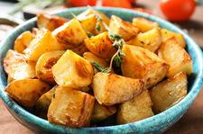 """Pieczone, zapiekanka czy puree? Pomysły na """"inne"""" ziemniaki na święta"""