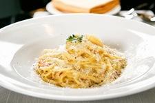 Spaghetti carbonara, które rozpływa się w ustach