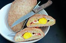 Calzone z jajkiem