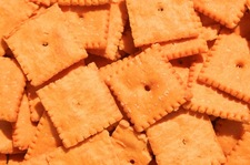 Domowe krakersy serowe