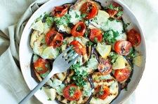 Grillowany bakłażan w sosie miętowym