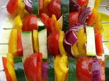 Błyskawiczne szaszłyki z warzyw