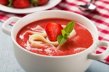 Smak dzieciństwa: Szybka zupa truskawkowa