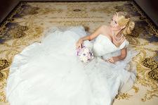 W 9 miesięcy zrobiła swoją suknię ślubną na drutach