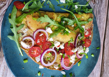 Zawijany omlet z fetą