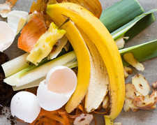 """Nie wyrzucaj skórek od banana. Możesz z nich przygotować wegański """"bekon"""""""