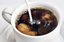 Kawa białkowa to hit w sieci. Jak ją zrobić?